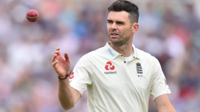 Anderson becomes the first fast bowler to take 600 test…