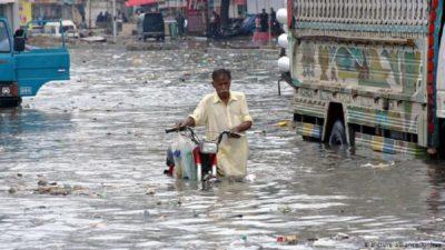 30 people killed in Karachi floods so far