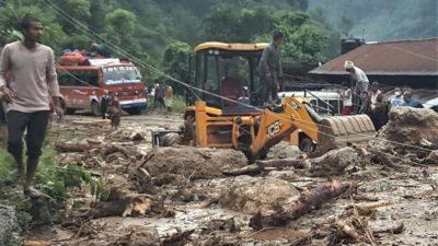 Traffic resumes on highway after landslide