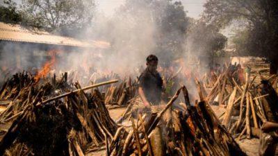 India's COVID-19 death toll crosses 300,000