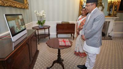 Ambassador Regmi presents a letter of credence to UK Queen…