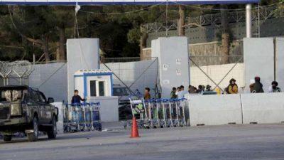 Taliban seals off Kabul airport, stops people as evacuation process…